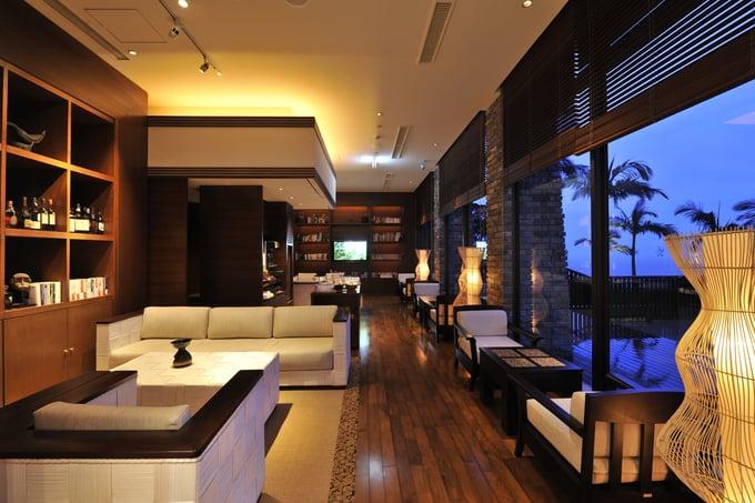 Sankara Hotel & Spa Yakushima Kagoshima Bar Japan and Luxury Travel Specialist Luxury Travel to Japan Izumi Ogawa Travel Agent vacation advisor
